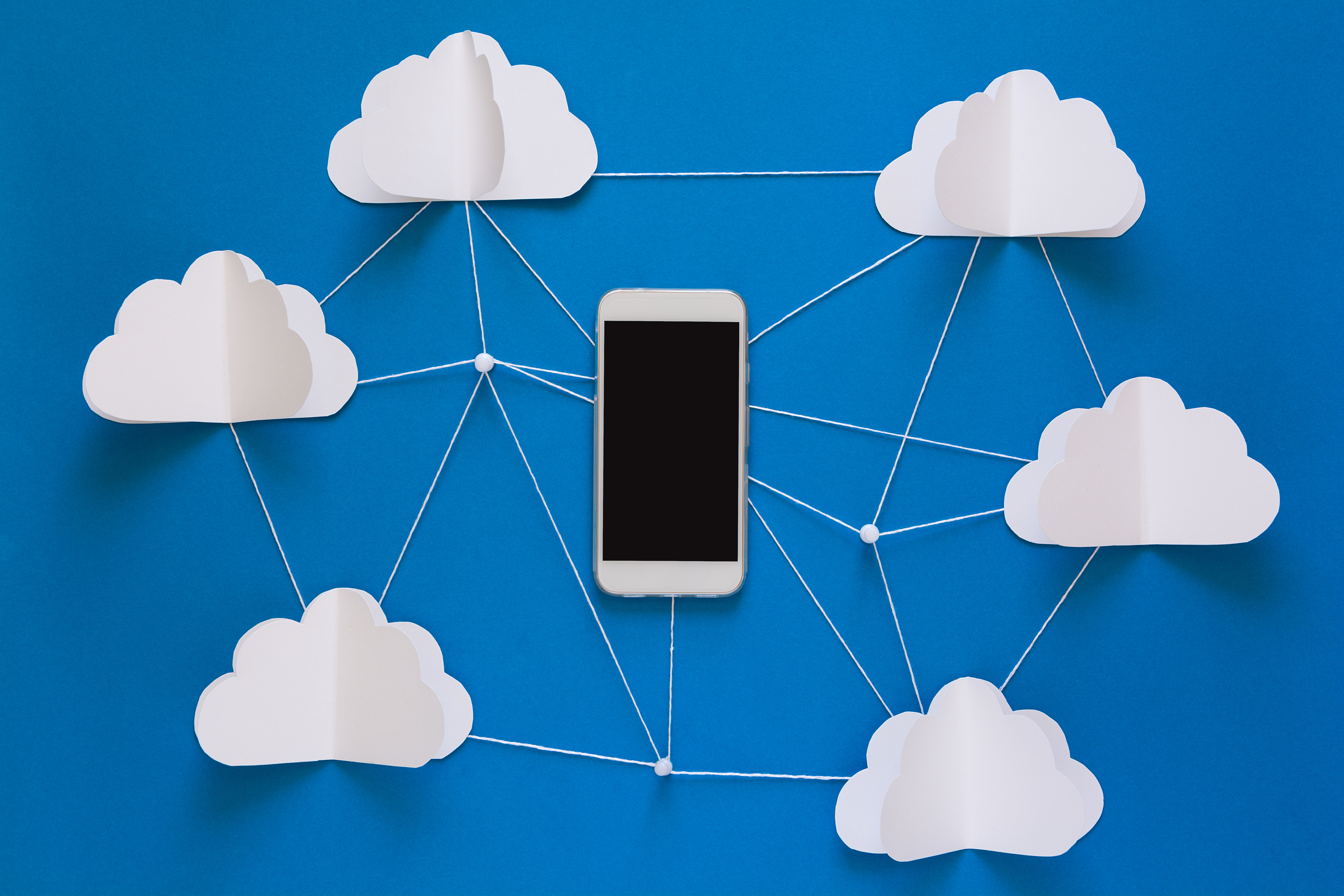 network-connection-and-cloud-storage-technology-co-G9WC47J
